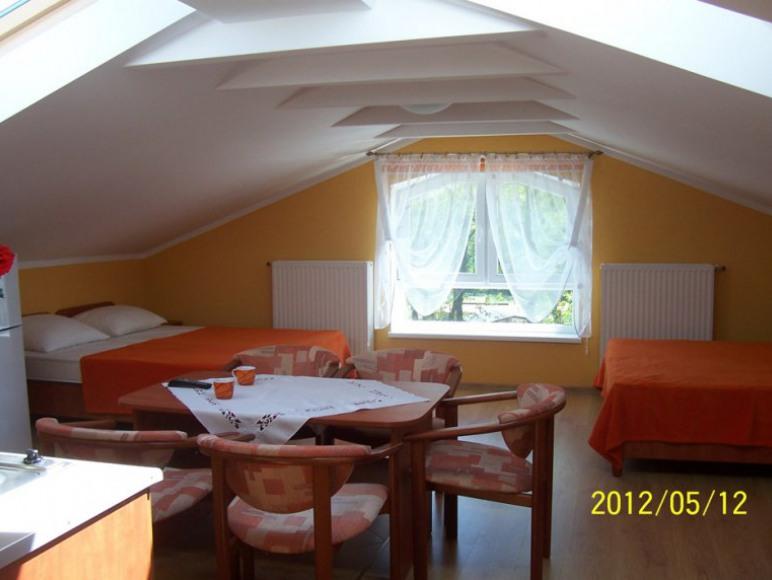 pokój 4 lub 5 osobowy