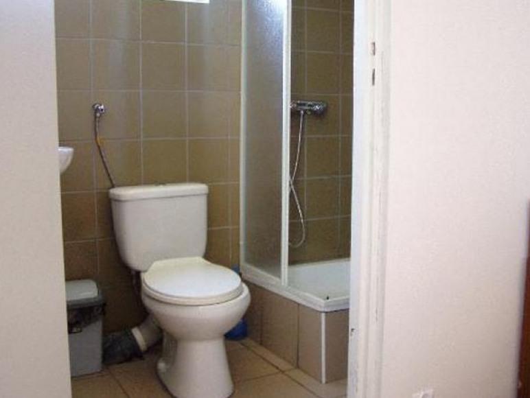 łazienka w domku letniskowym