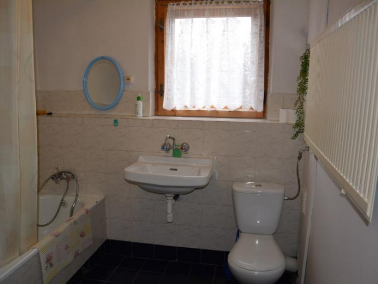 łazienka do pok 1 i 2