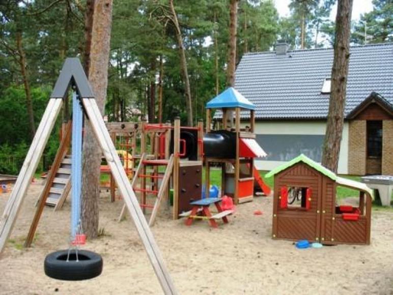 Apartamenty rodzinne z placem zabaw, 300m od plaży
