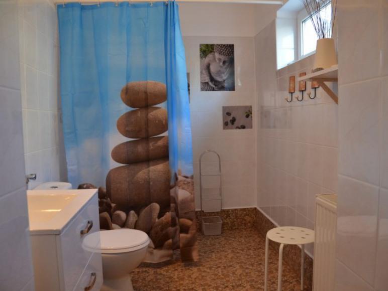Pokój rodzinny nr 8 - łazienka