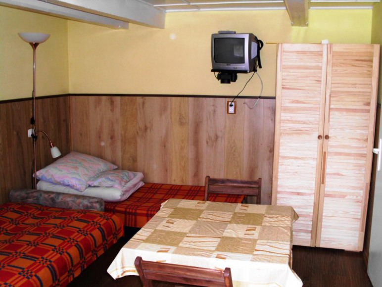 pokój 1-2 osobowy z oddzielnym wejściem