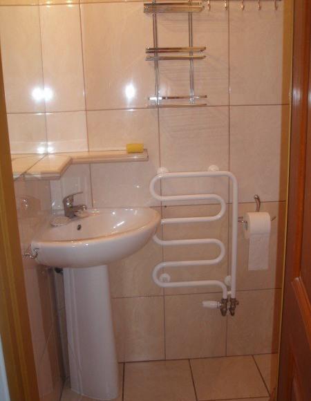 łazienka w czteroosobowym