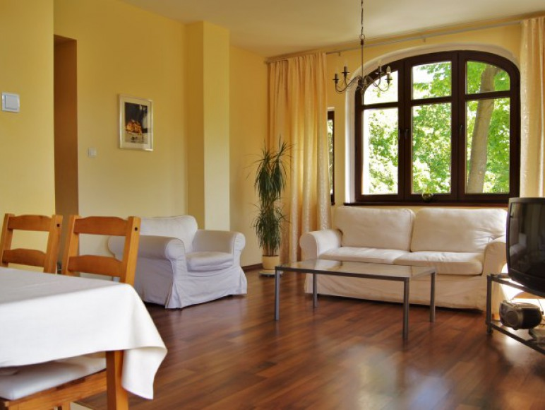 Apartament Yellow, Limba Apartamenty