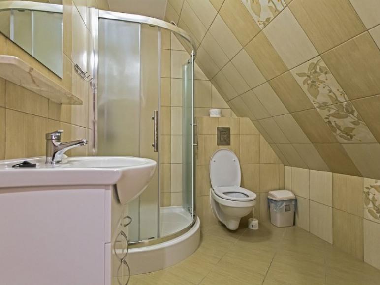 zd.15 - OW - Szarotka wystrój przykładowej łazienki w pokoju na II piętrze