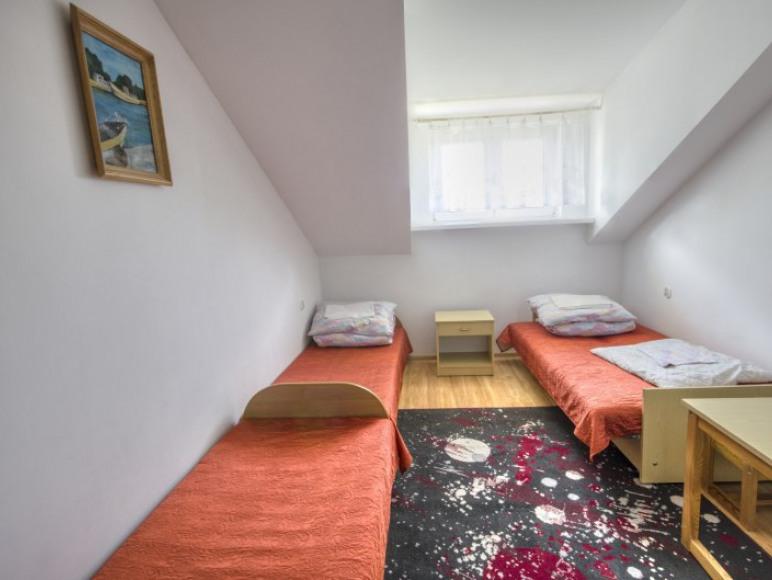 pokój 3-osobowy z łazienką