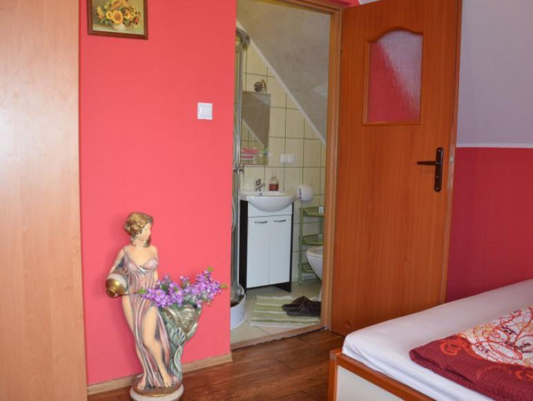 Pokój dwuosobowy z łazienką