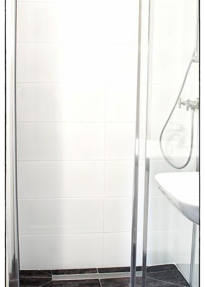 Prysznic - Apartament Czerwony