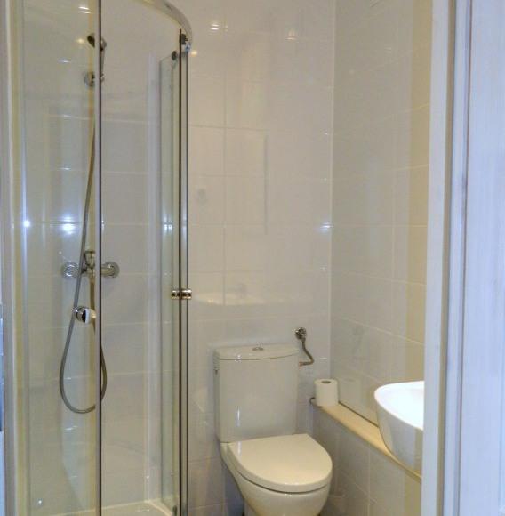 łazienka I, II piętro (remont 2015r.)