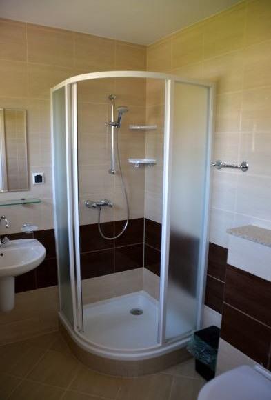 łazienka pokój 2-os.