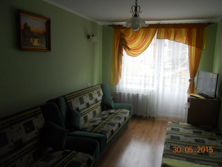 Pokój nr 7 3-5 os. z balkonem