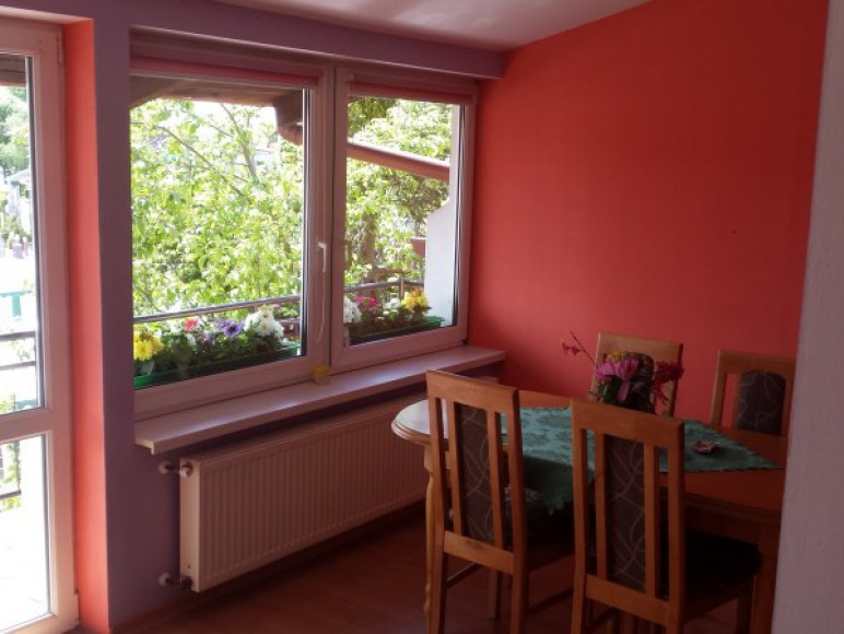 salon z balkonem