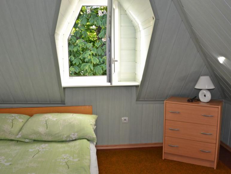 mieszkanie samodzielne- pokój zielony
