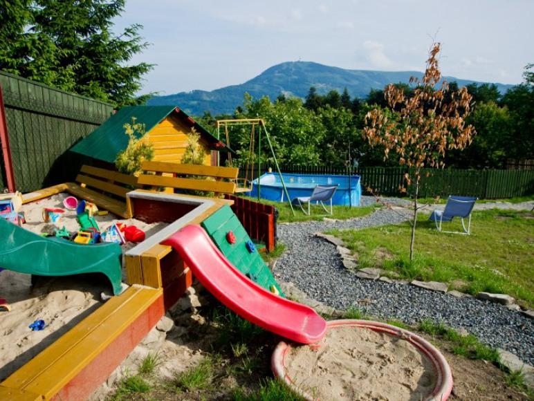 plac zabaw dla dzieci fot. 2