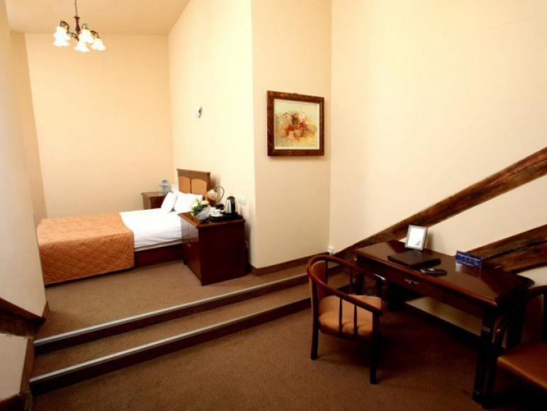 Hotel FADO ***