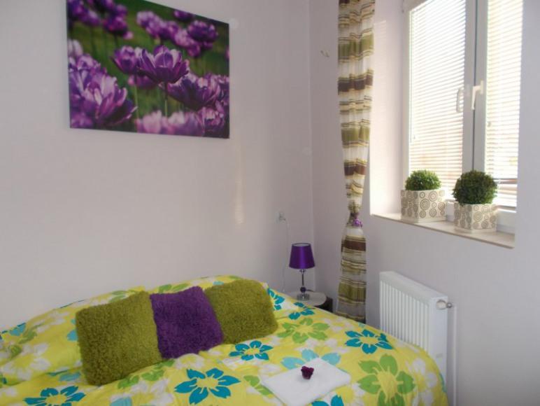 Mały pokój sypialnia