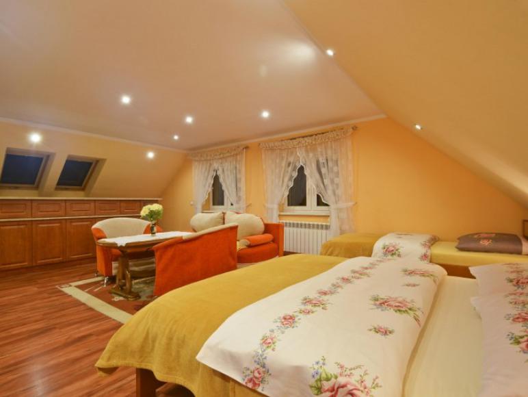 Apartament 4/5os pomarańczowy