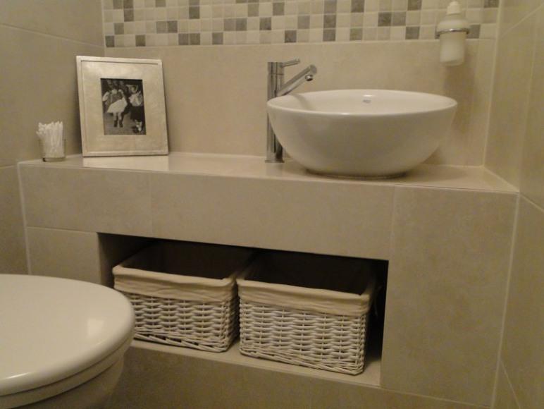 apartament dwupokojowy-łazienka