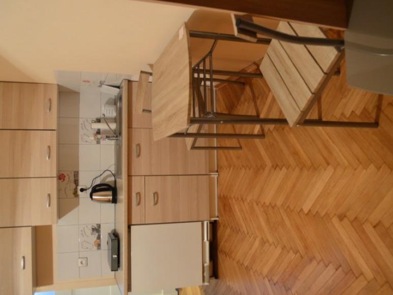 pokój w mieszkaniu 4