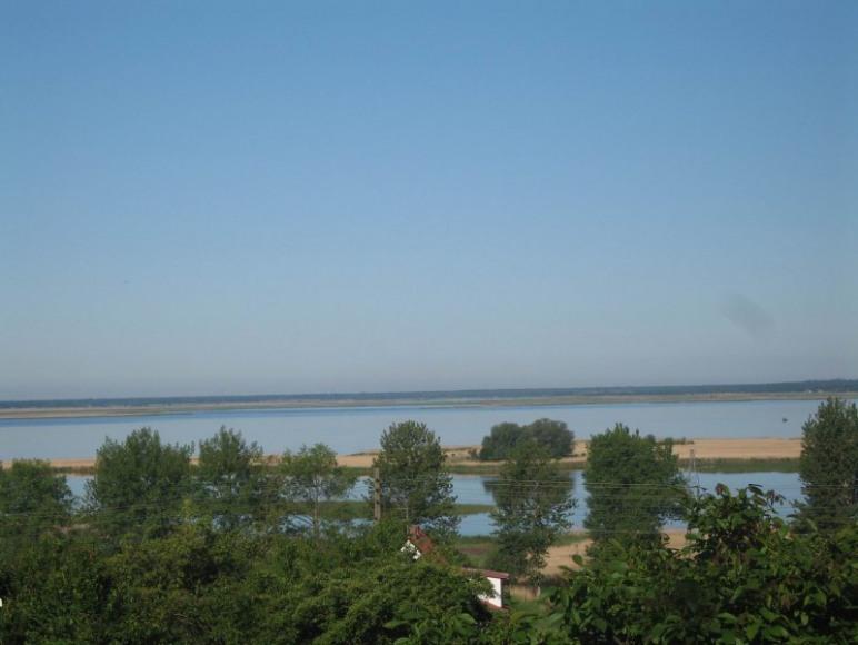 Widok na jezioro Wicko