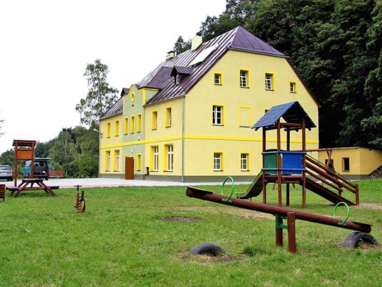 Młodzieżowe Schronisko Turystyczne w Staniszowie