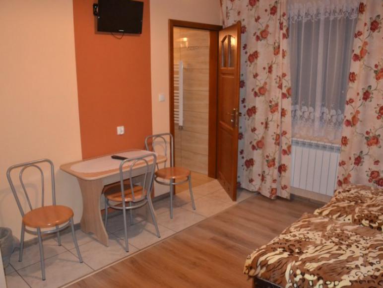 Przykładowy pokój z Łazienką i balkonem.