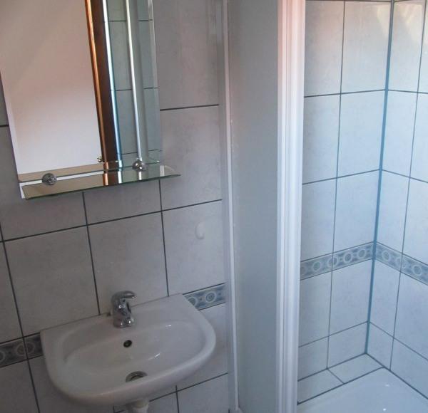 łazienka do pokoju 3-os