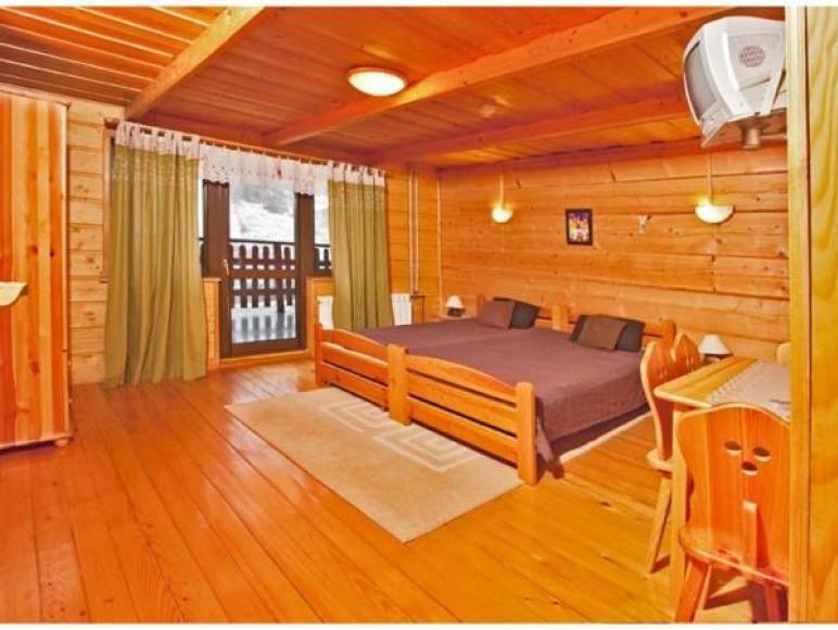 Apartament górny-pokój pierwszy