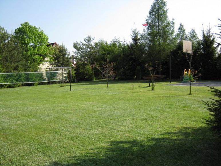 boisko do badmintona, kosza