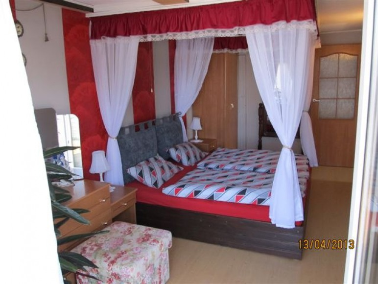 dom nr 1 sypialnia 2-os na piętrze