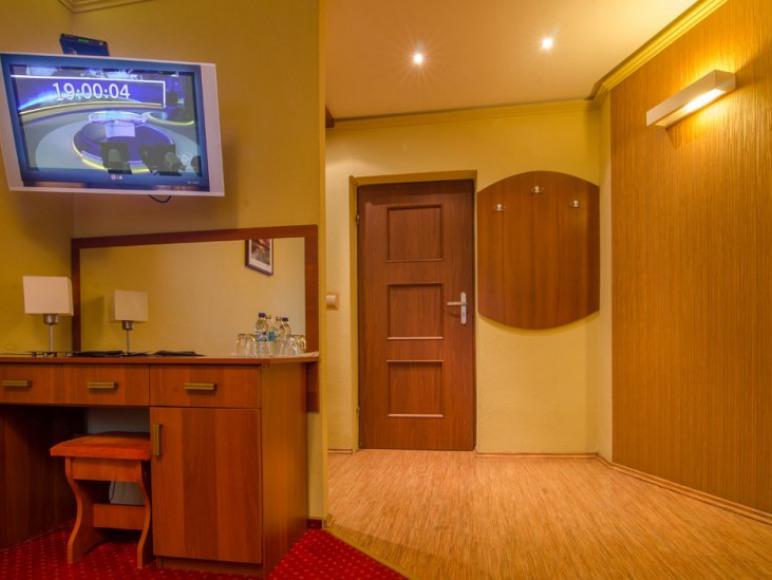 Pass Hotel