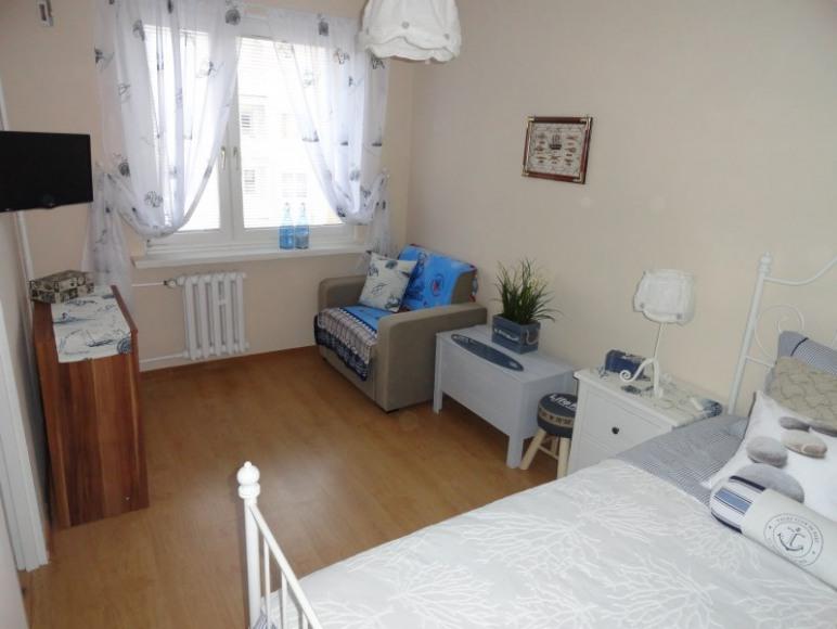SEA Apartament w Helu, pokój sypialny
