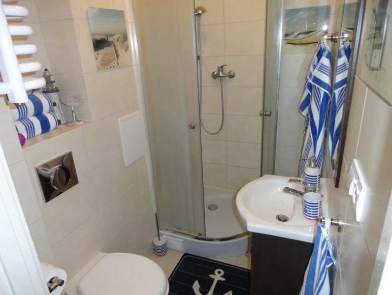 SEA Apartament w Helu, łazienka