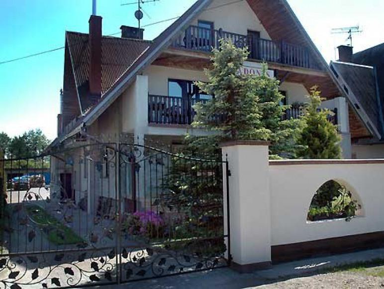 Dom Gościnny Adonis