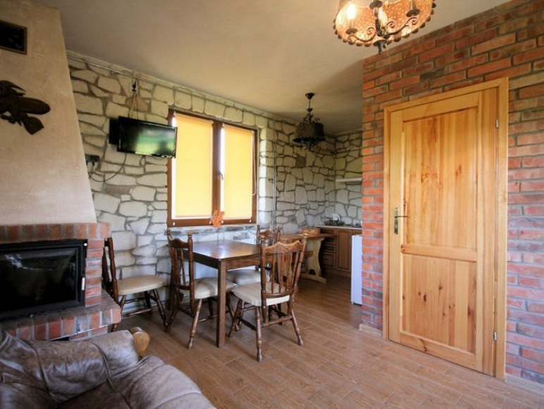 Kamienny domek / salon.