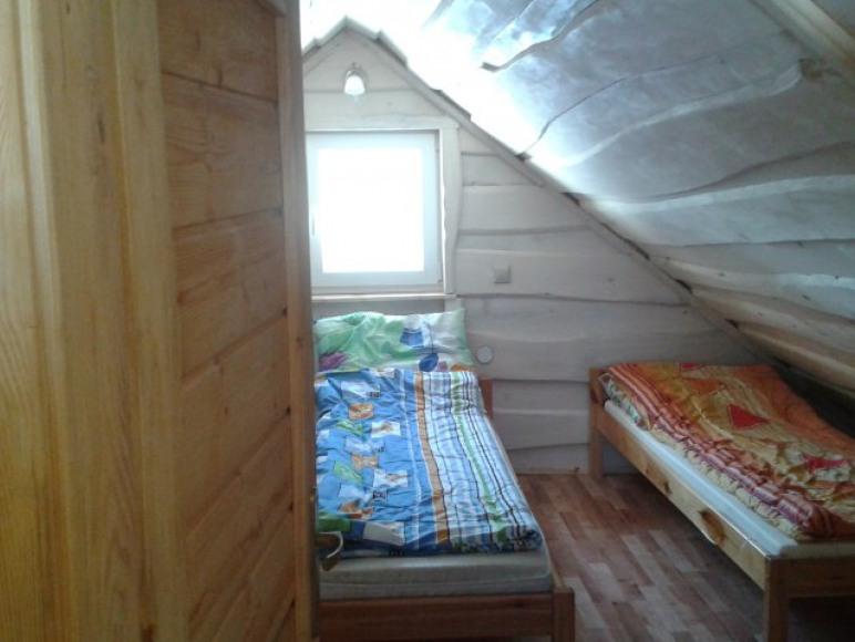 Sypania 3 os w Drewnianym Domku