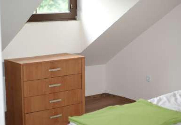 Apaartament 90 m z 3 pokojami, salonem i łazienką