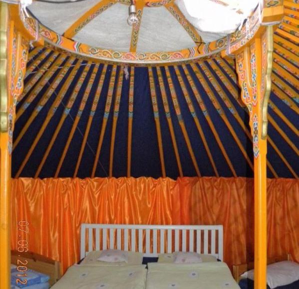 jurta w środku
