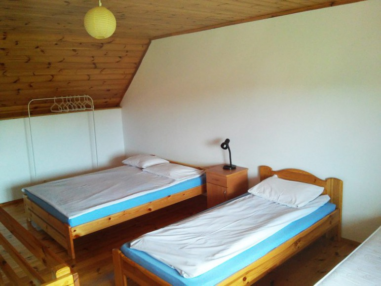 Łóżka w szeregówce