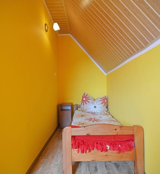 Domek pietrowy-Sypialnia