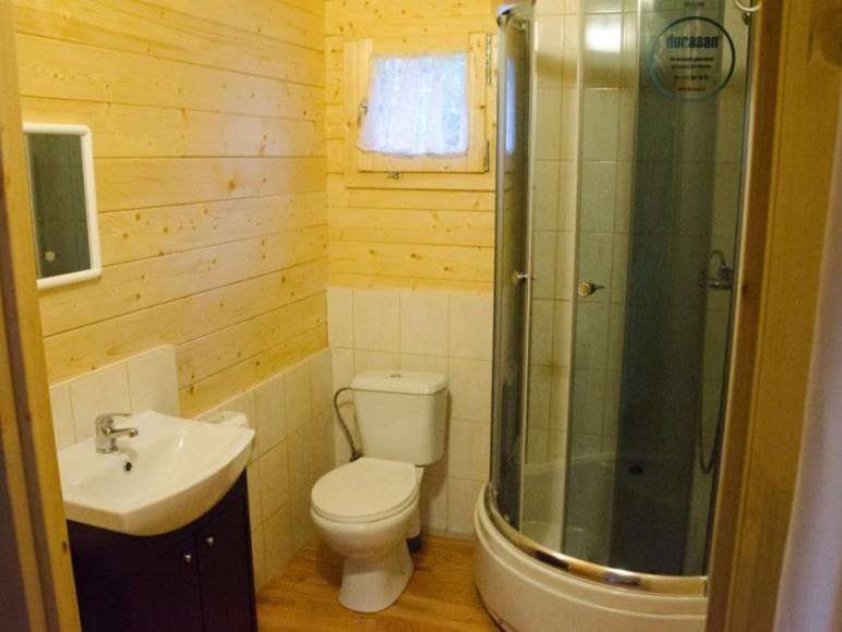 Domek drewniany - łazienka