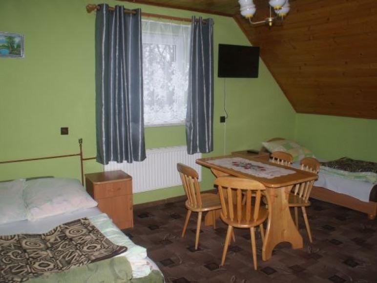 pokój nr 2-3 lub 4 osobowy