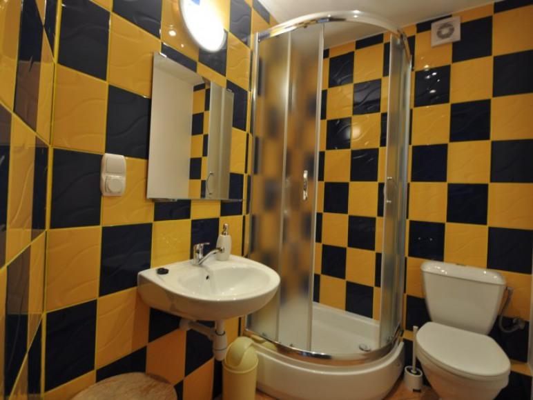 Łazienka pokój 3 os. piętro