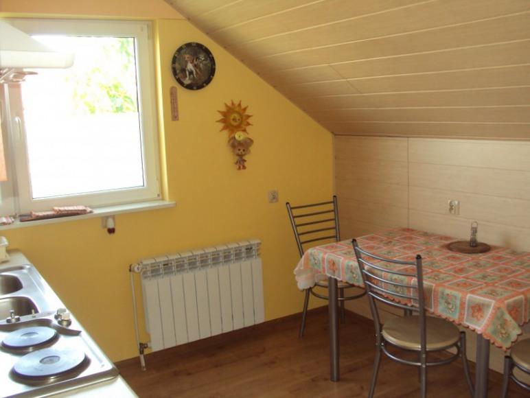 Górna kuchnia przy pokoju 4-osobowym