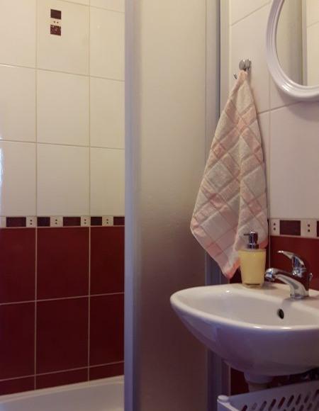łazienka w pokoju 4-os.