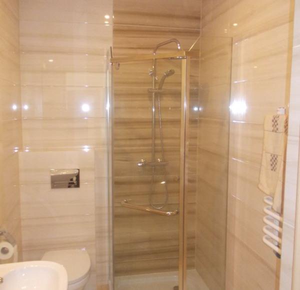 łazienka z kabiną prysznicową #2