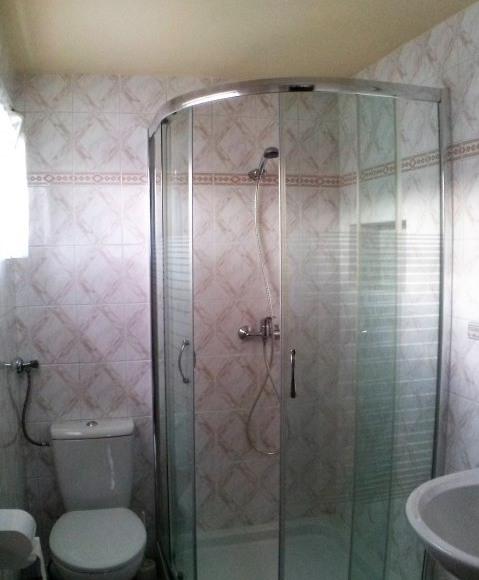 łazienka dla pokoi 2 i 2/3-os.
