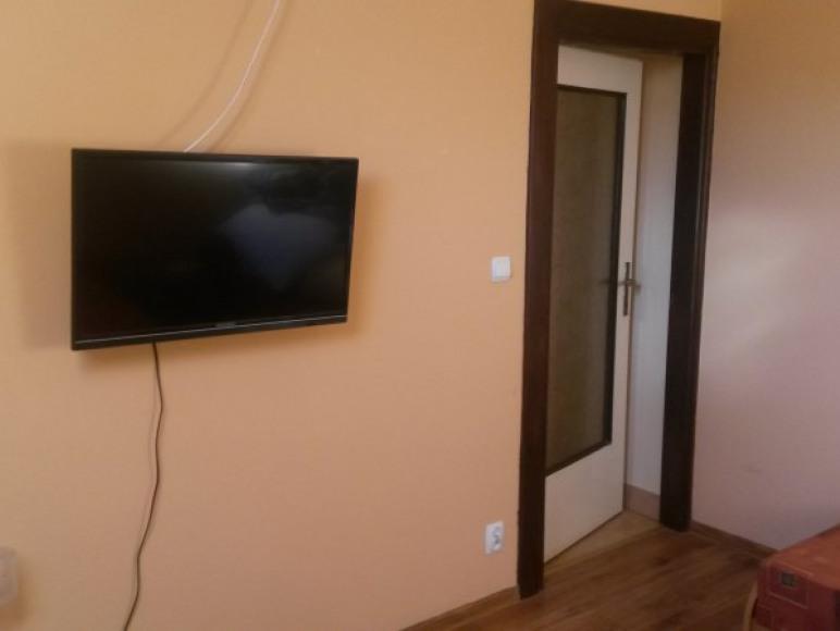 Pokoje, kwatery, duży parking, monitoringiem