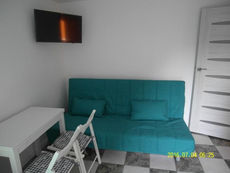 Większy pokój (wejściowy) - mieszkanie turkusowe