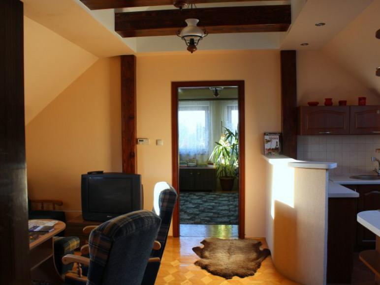 Apartament na piętrze - widok od wejśca